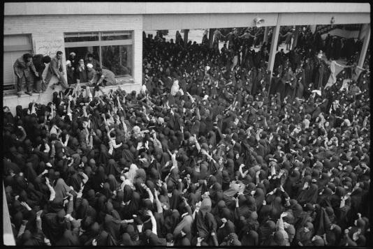 1º de fevereiro de 1979, retorno do Ayatollah Khomeini ao Irã. Pouco tempo depois nascia a República Islâmica